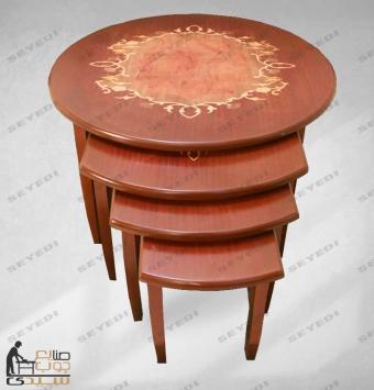 طاولة ضيافة أربع قطع مدورة ومزخرفة