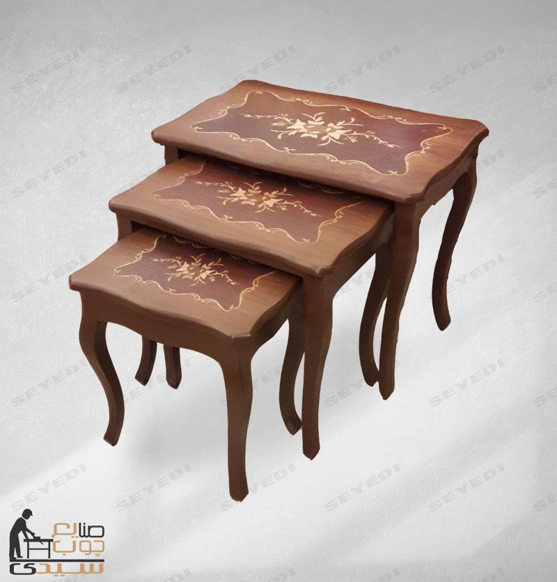 طاولة ضيافة مزخرفة